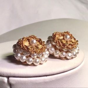 🌺Unique Vintage Gold and Pearl Earrings